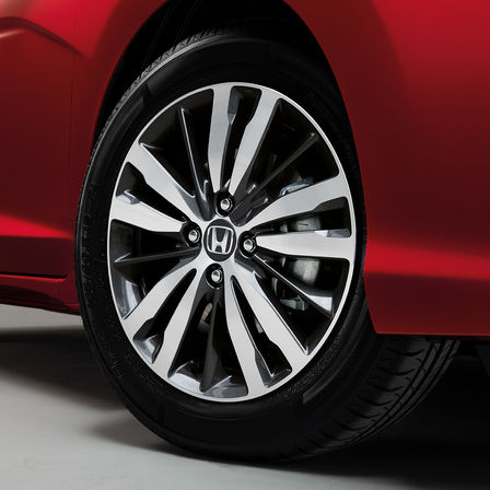 Close-up wiel Honda Jazz.